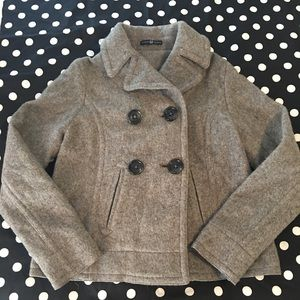 Gap Grey pea coat extra button included